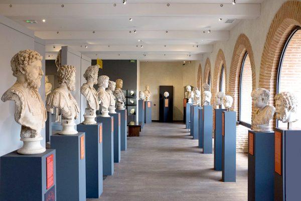 Бюсты римских императоров в музее Сен-Раймон