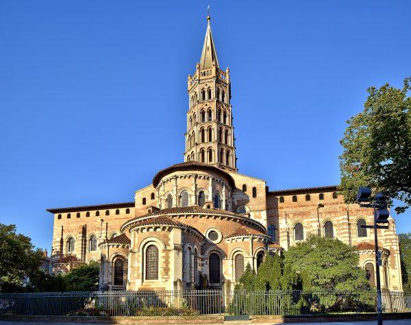 Здание базилики Сен-Сернена
