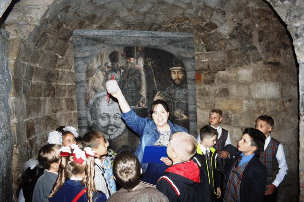 Детская экскурсия в Кремле