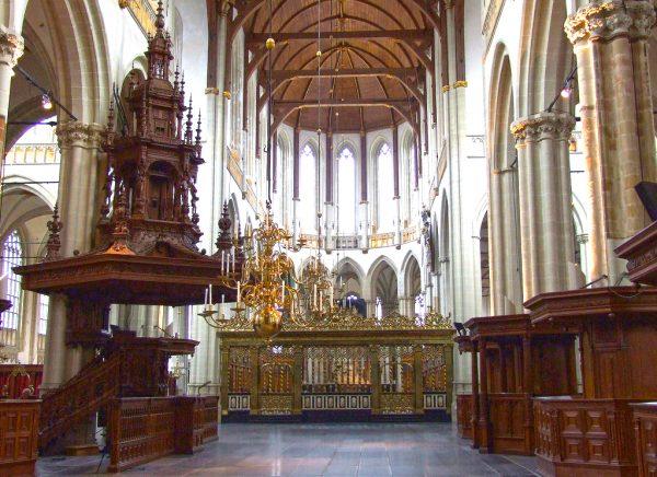 Интерьер церкви Ньивекерк