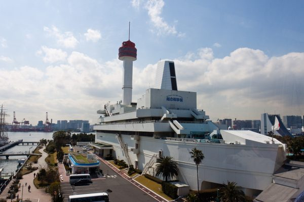 Здание музея в форме корабля