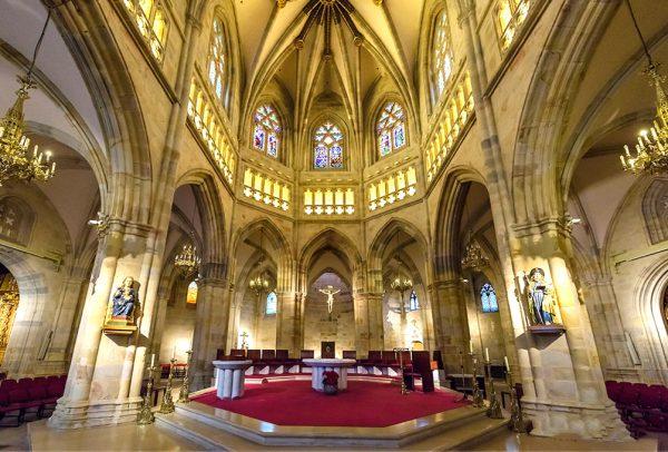 Интерьер Кафедрального собора Бильбао