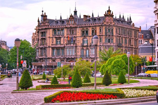 Здание дворца Чаварри в Бильбао