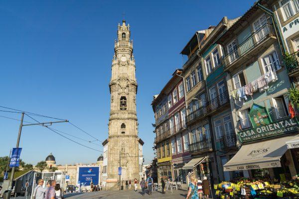 Башня Клириков в Порту