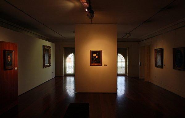 Фрагмент зала музея Суариш-душ-Рейш в Порту
