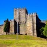 Башня крепости замка Гимарайнш