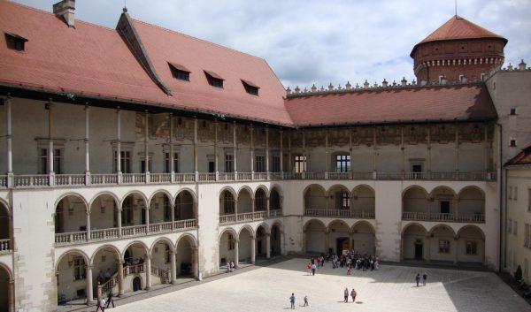 Внутренний двор Вавельского замка в Кракове