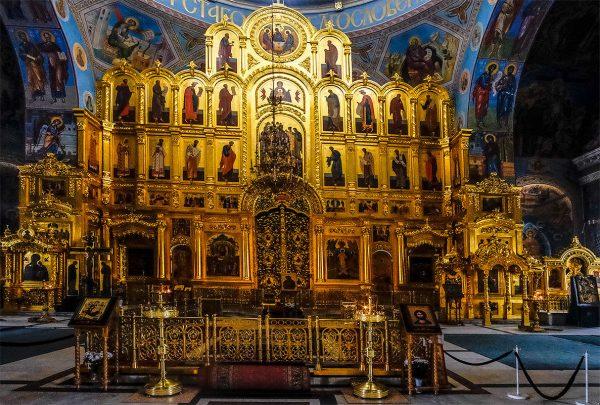 Внутреннее убранство Свято-Троицкого кафедрального собора в Калуге