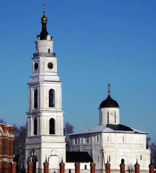 Воскресенский собор в Волоколамске
