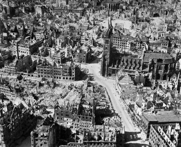 Развалины Нюрнберга во время Второй мировой войны