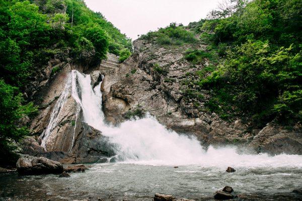 Водопад в окрестностях Дербента