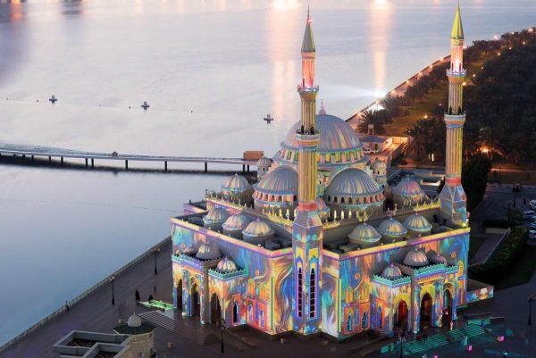 Мечеть на берегу лагуны