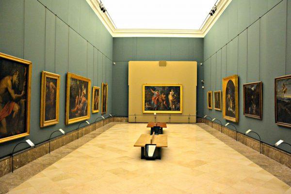 Зал музея Каподимонте