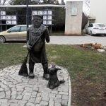 Памятник дворнику, Евпатория
