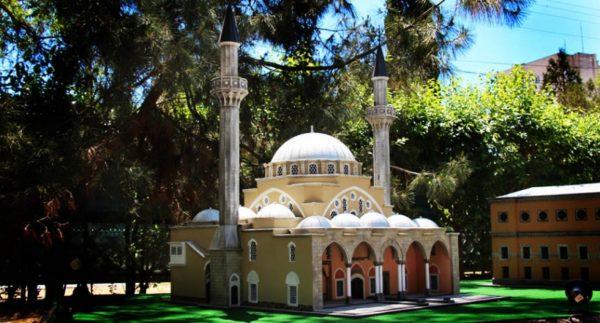 Парк Крым в миниатюре, мечеть Джума-Джами