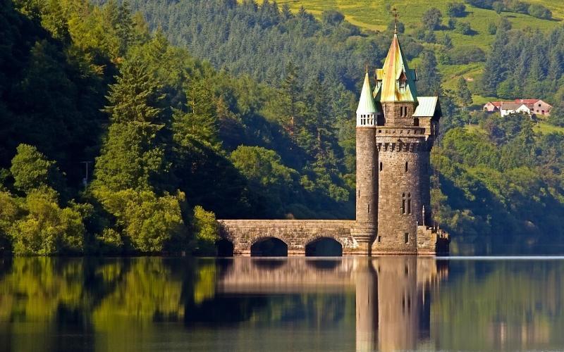 Уэльс — страна замков, холмов и озёр