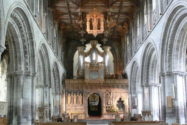 Интерьер собора святого Давида