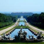 Дворец в Казерте: вид на скульптуры