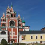 На территории Саввино-Сторожевского монастыря в Звенигороде
