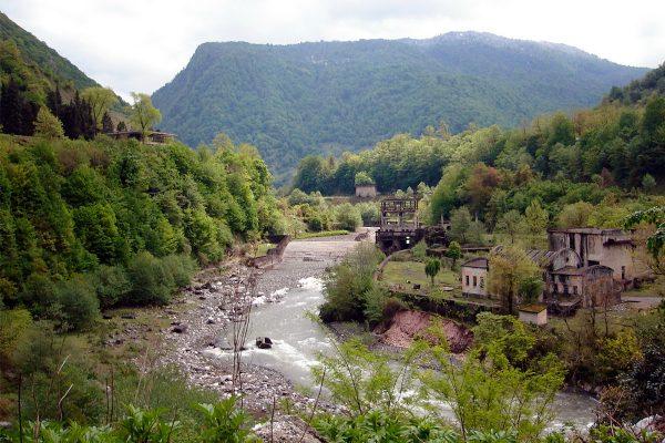 Вид на Ткварчели, Абхазия