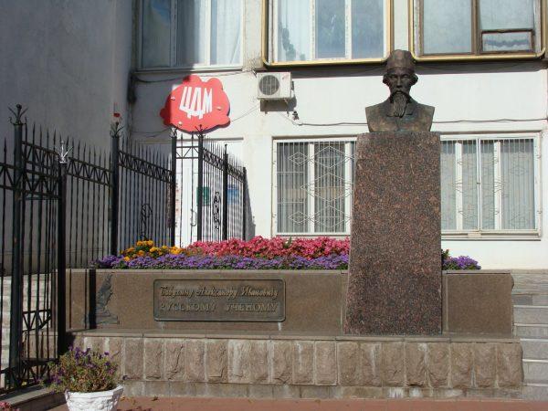 Памятник Бабухину А. И. в Орле