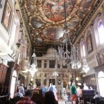 Внутреннее убранство храма Святого Спиридона в Керкире