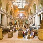 Главный зал с экспонатами Национального Египетского музея