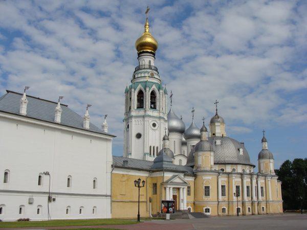 Архиерейский двор в Вологде
