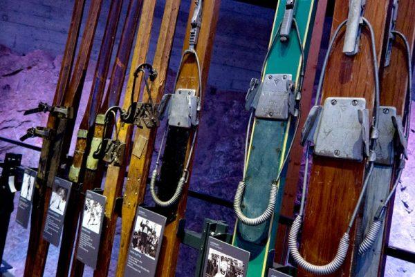 Экспонаты в Музее лыж