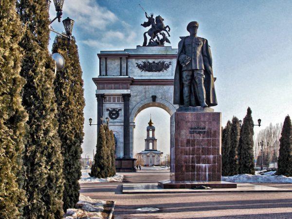 Памятник Жукову, Курск