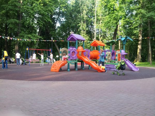 Детская площадка в «Скитских прудах»