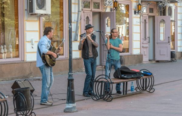 Музыканты на Трёхсвятской улице в Твери