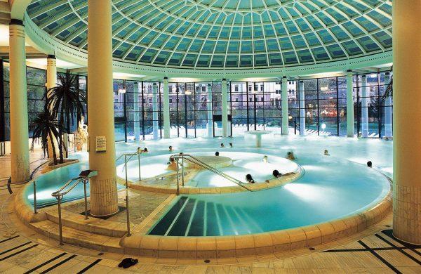 Крытый бассейн в термальном комплексе Каракаллы