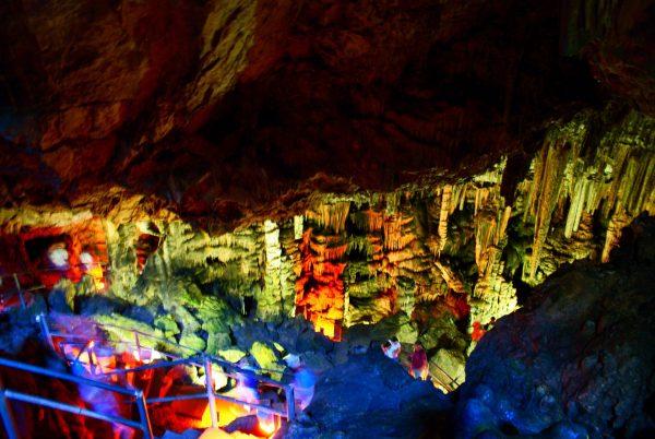 Пещера Психро