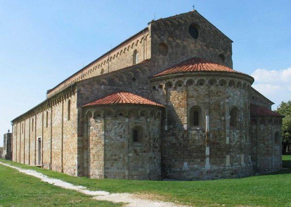 Базилика Сан-Пьеро а Градо в Пизе