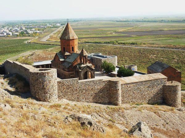Хор Вирап недалеко от Еревана