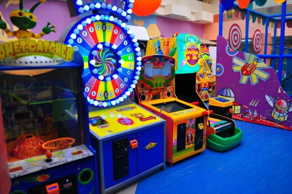Игровая зона в Play City в Ереване