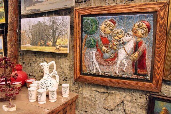 Экспонаты галереи Далан в Ереване