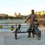 Скульптура «Семья» в Астрахани