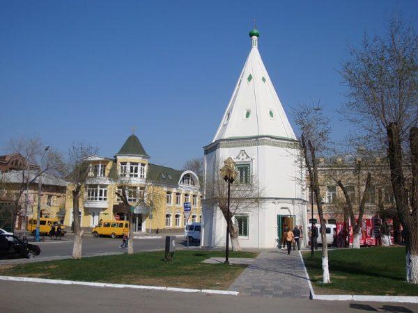 Шатровая башня Спасо-Преображенского монастыря в Астрахани