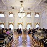 В зале Нижегородского государственного историко-архитектурного музея