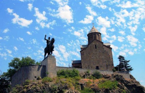 Статуя Вахтанга Горгасали (Метехи, Тбилиси)