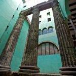 Римские колонны храма Августа