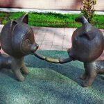 Скульптура Сосиска дружбы