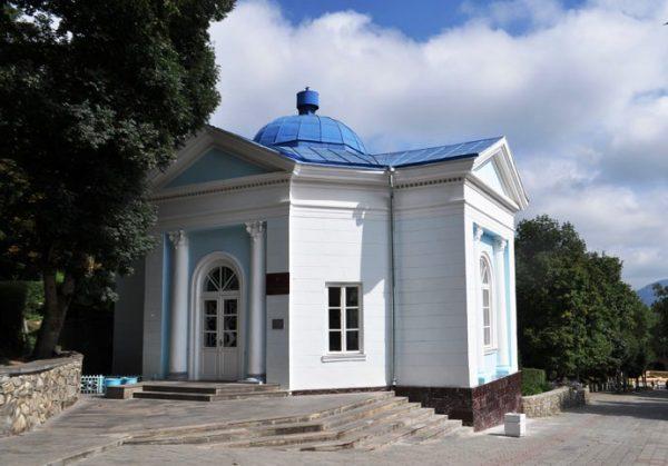 Славяновский источник в Железноводске