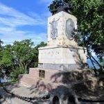 Памятник в честь столетней годовщины обороны