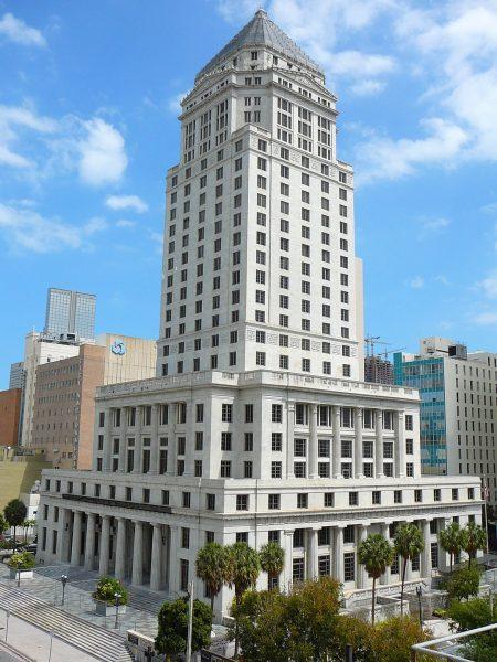 Здание окружного суда в Майами