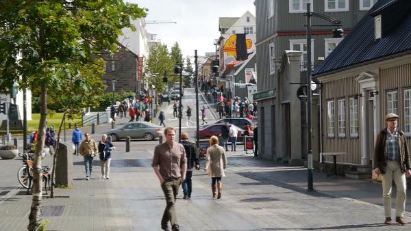 Пешеходы на улице Рейкьявика