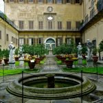 Внутренний дворик дворца Медичи-Риккарди