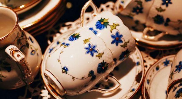 Чашки из модранской керамики